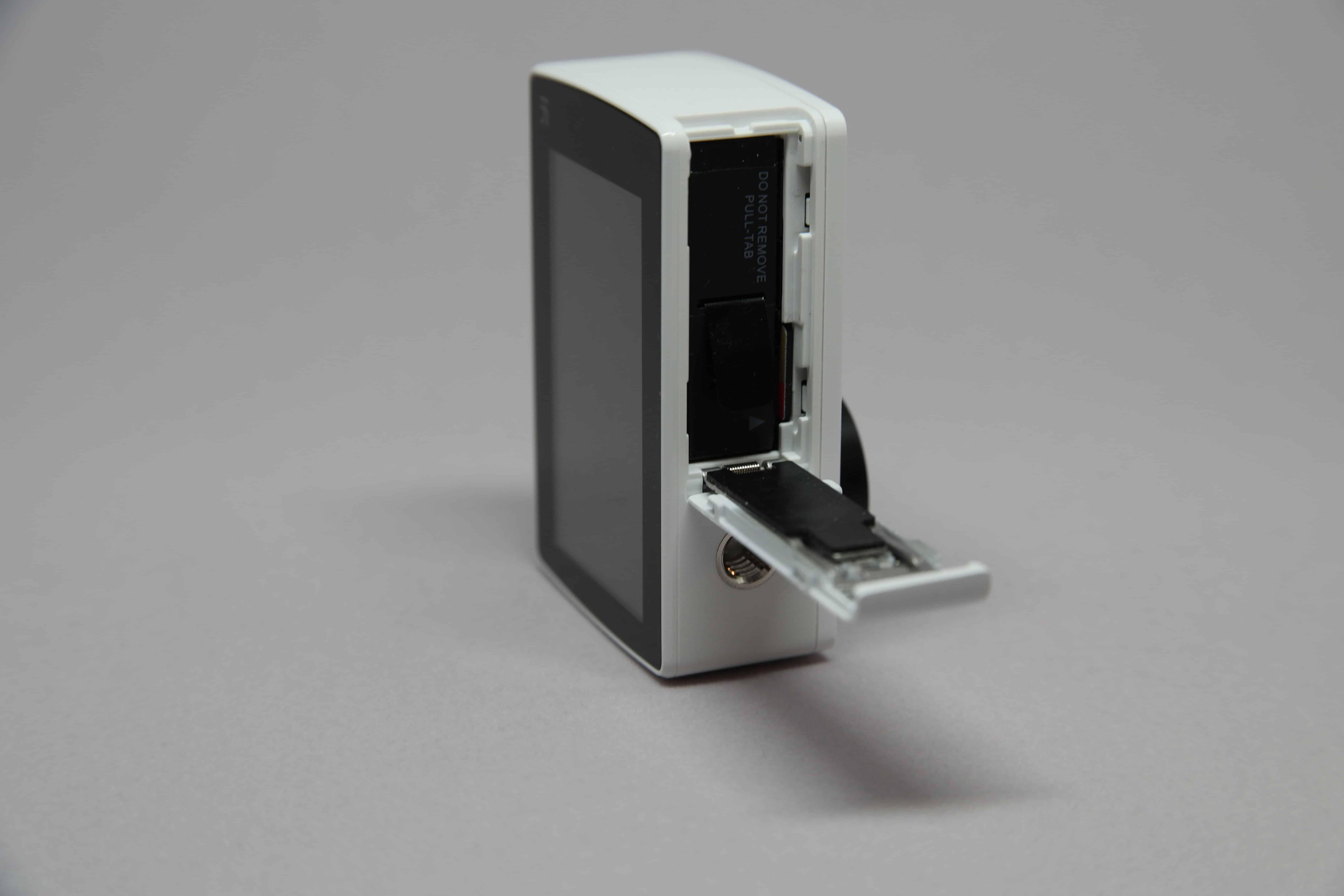 YI 4K battery door